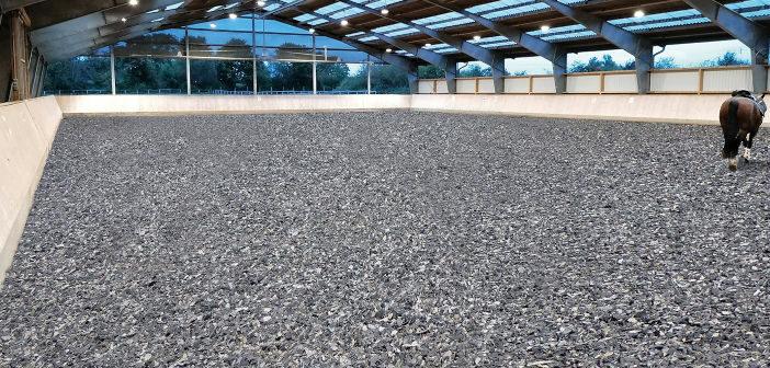 Reitboden aus Teppichschnipseln von ASground.
